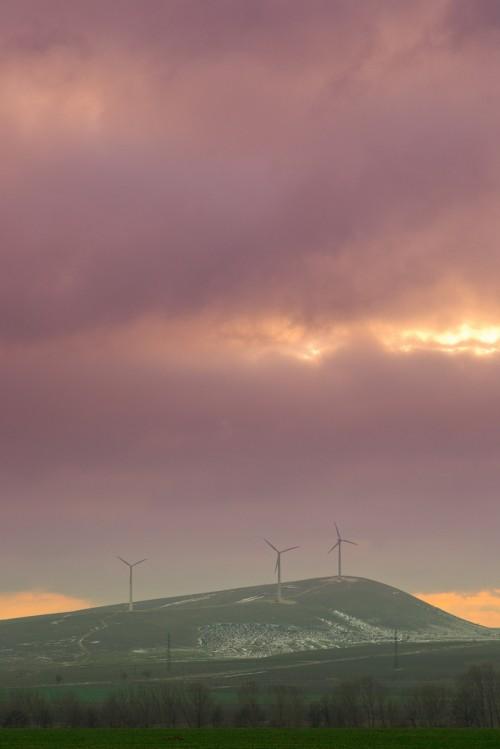 wind-turbines-Romania