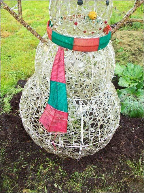 recycled snowperson bean trellis