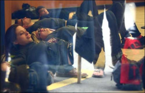 Protesters occupy Chase bank in Seattle
