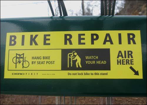 bike repair rack