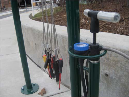 bike repair rack detail