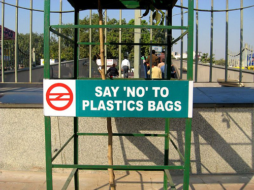 "Delhi Metro Sign ""Say No to Plastic Bags"""